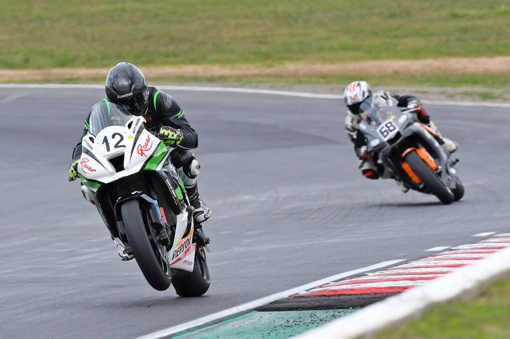 WALTERS ENDURES TOUGH WINTON ASBK WEEKEND